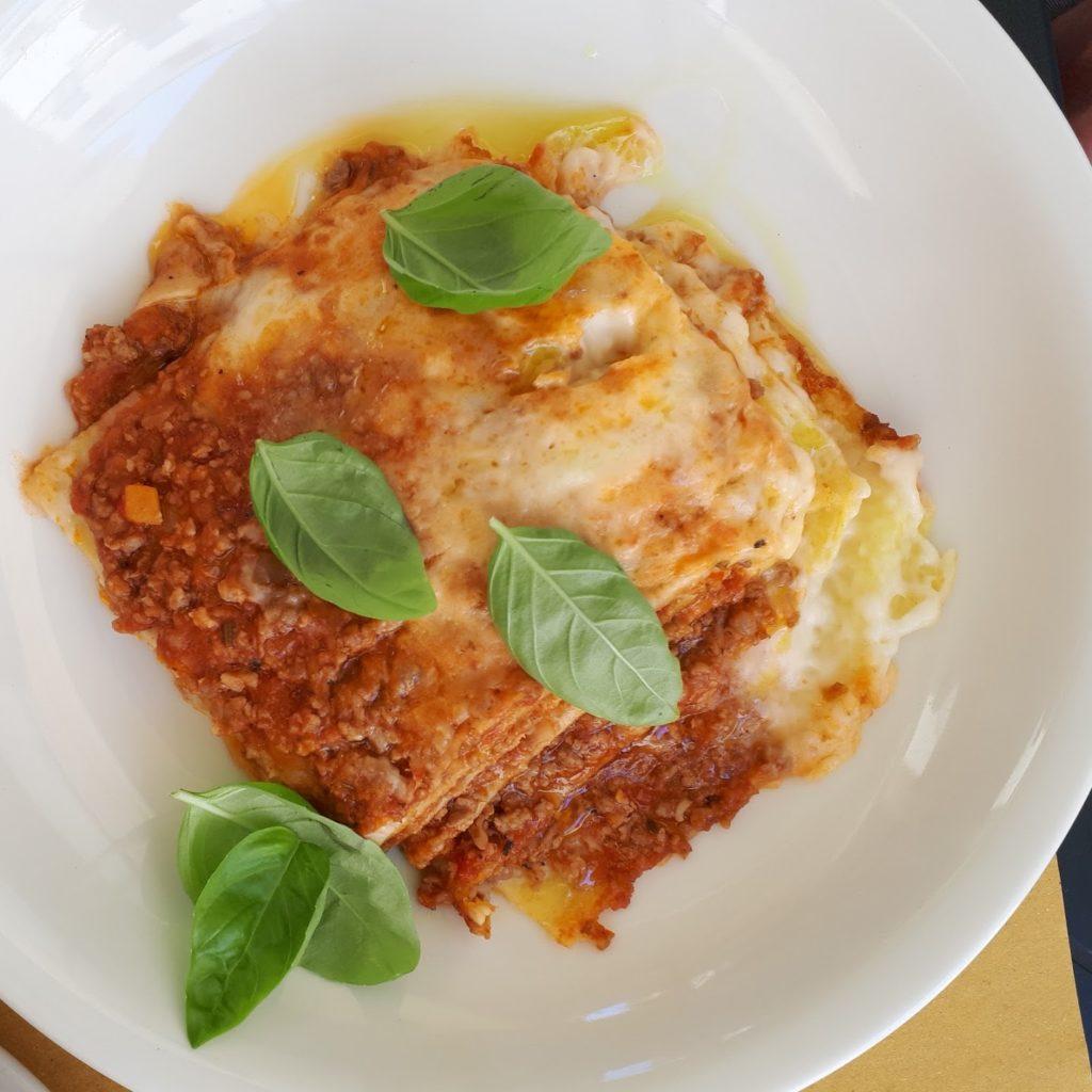Lasagne z sosem bolońskim