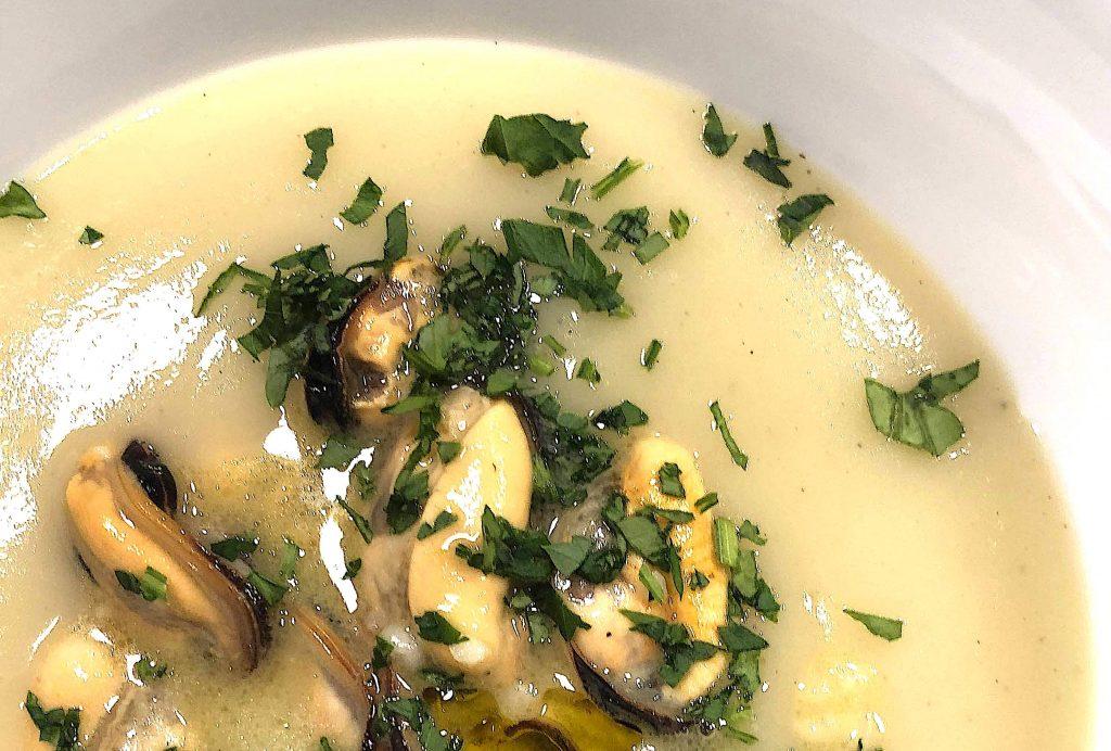 Zupa ziemniaczana z małżami - vellutata di patate e cozze